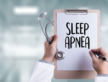 What are the common risk factors of developing sleep apnea?