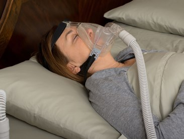 What treatment options are there for sleep apnea?