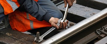 What are the Regulations Covering Maintenance of Way (MOW) Employees?