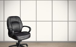 What are the features of a good ergonomic chair?